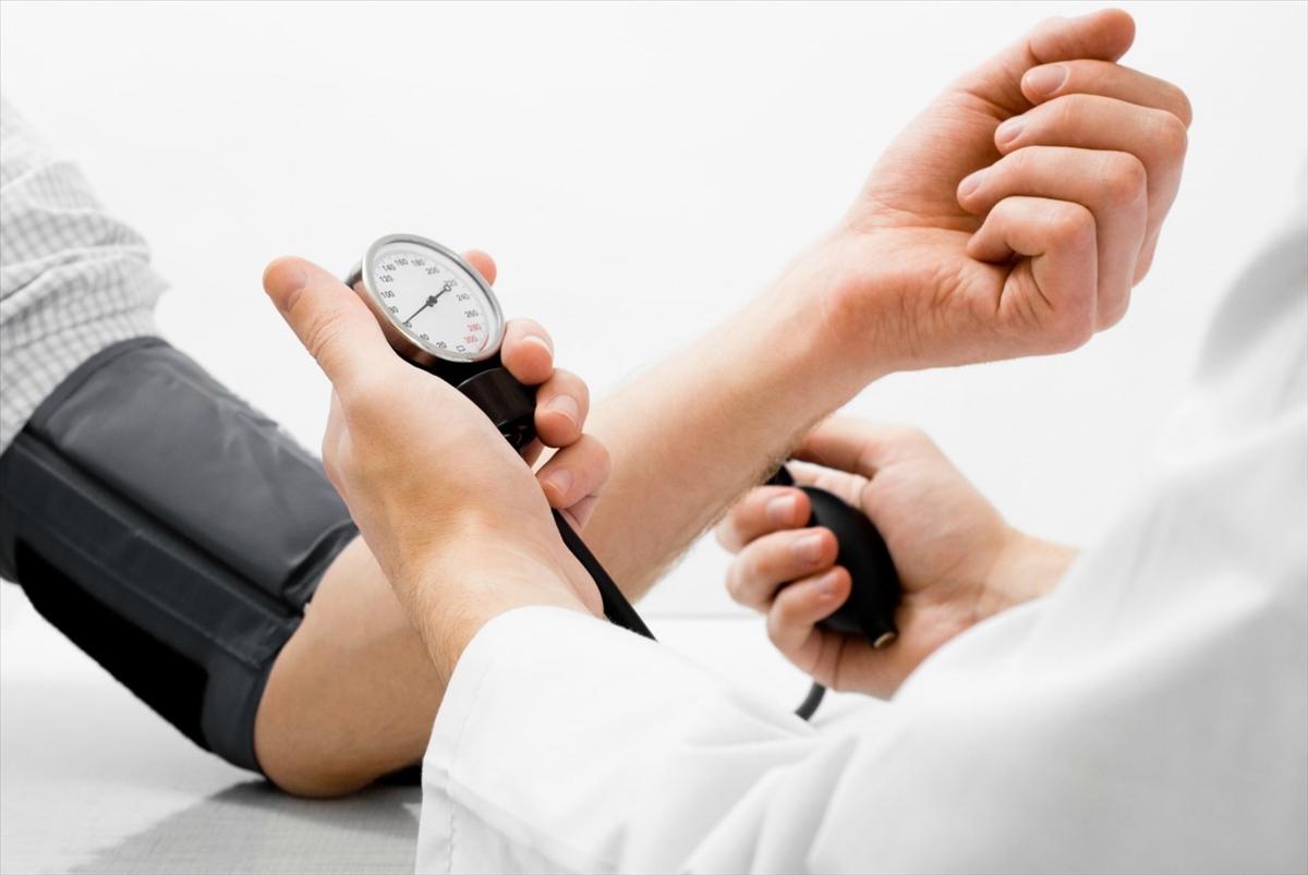 Артериальная гипертензия симптомы леченинародные средства